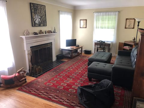 Lovely private ranch, whole house