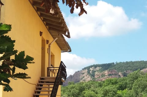 Casa familiar con vistas a la montaña