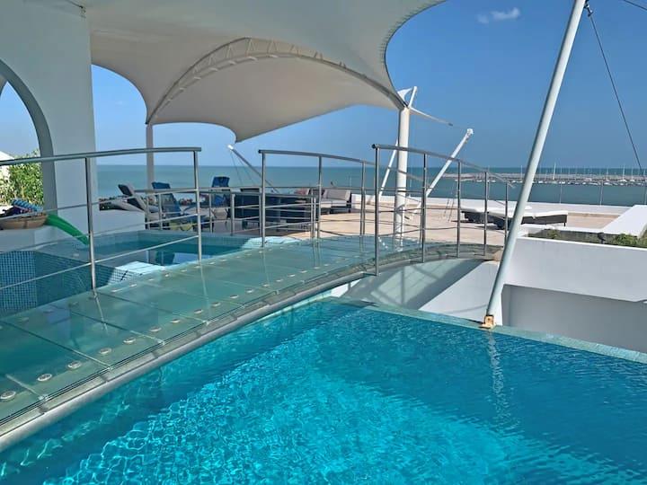 OCEAN FRONT PARADISE  -LUXURY PEACEFUL BEACH HOUSE
