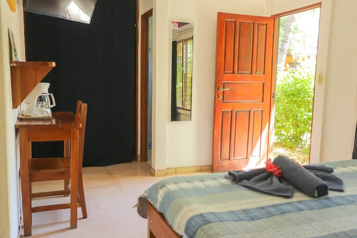 Beautiful double room near the beach