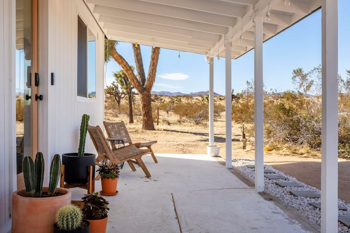 Mojave Mesa - Desert Views & Desert Style