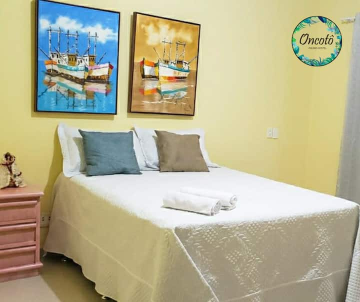 Suíte Araras  1 cama casal em Oncotô Palmas Hostel