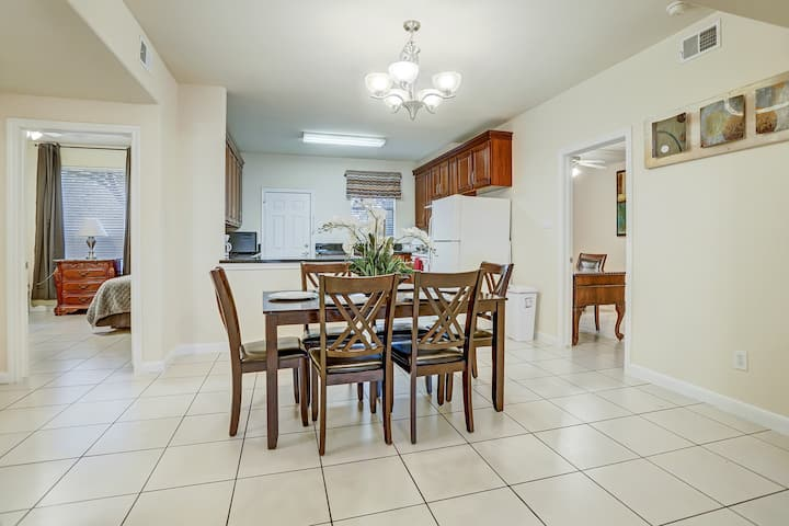 Gated Clean 4 bedrooms,2 baths, large kitchen,78-2