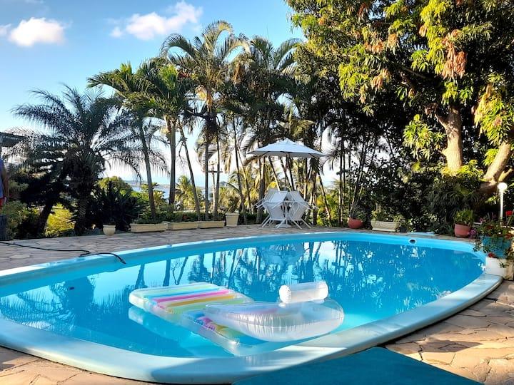 Casa com piscina na região dos lagos