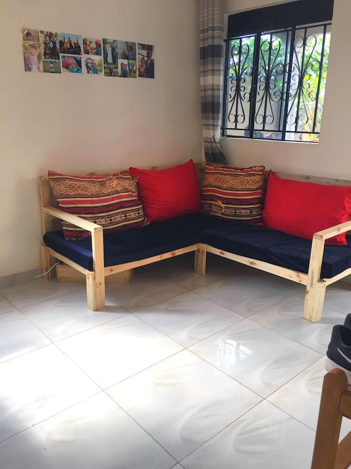 Cozy room in Bukasa shared apartment