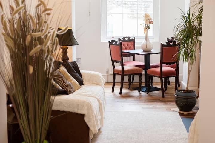 21B Back Montpellier Terrace - Luxury & Location