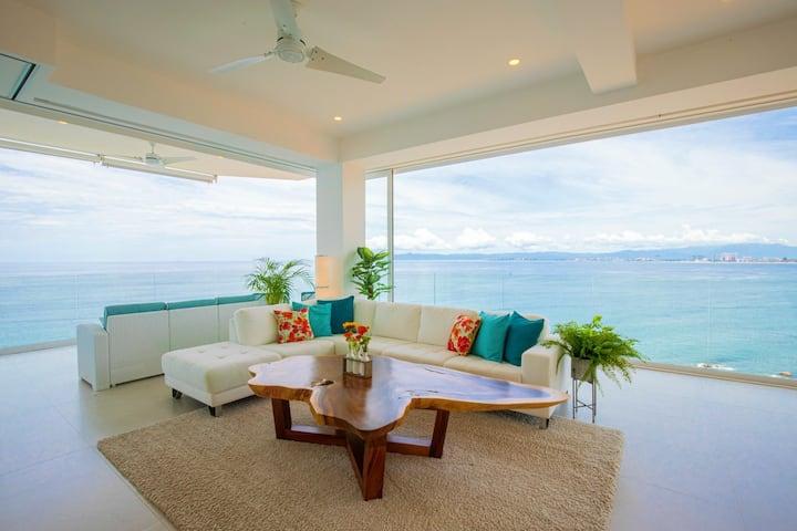 Elegant Beachfront Condo With 180 Degree Bay-View!