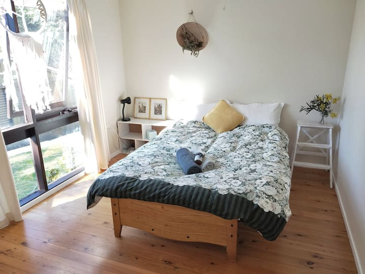 Wentworth Falls Cozy Double Bedroom