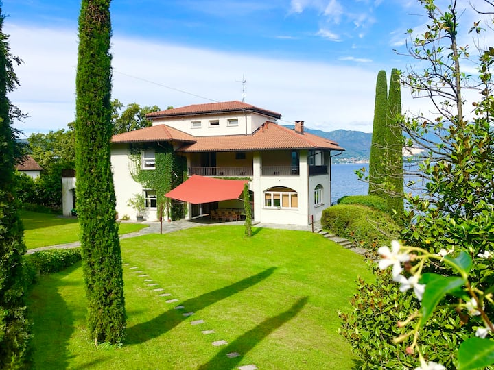 VILLA RONDELLA by KlabHouse w/7BR - private beach