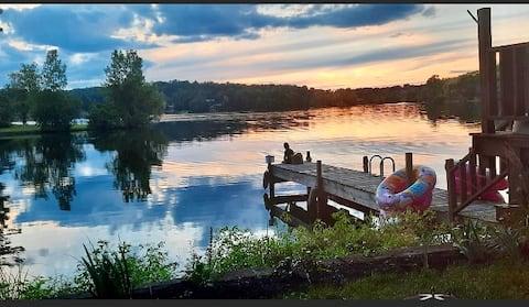 Escape to the lake- private retreat, kayak, fish,
