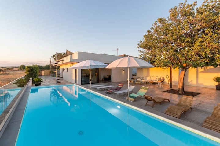 Demetra, villa with pool and sea view