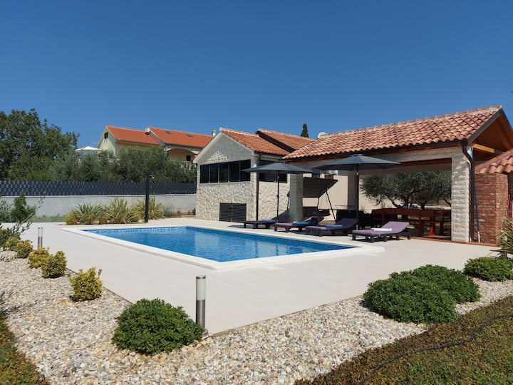 Villa Lorema with large pool and soon jacuzzi