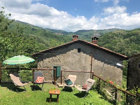 Casa sulla Valle, un gioiello nella natura toscana