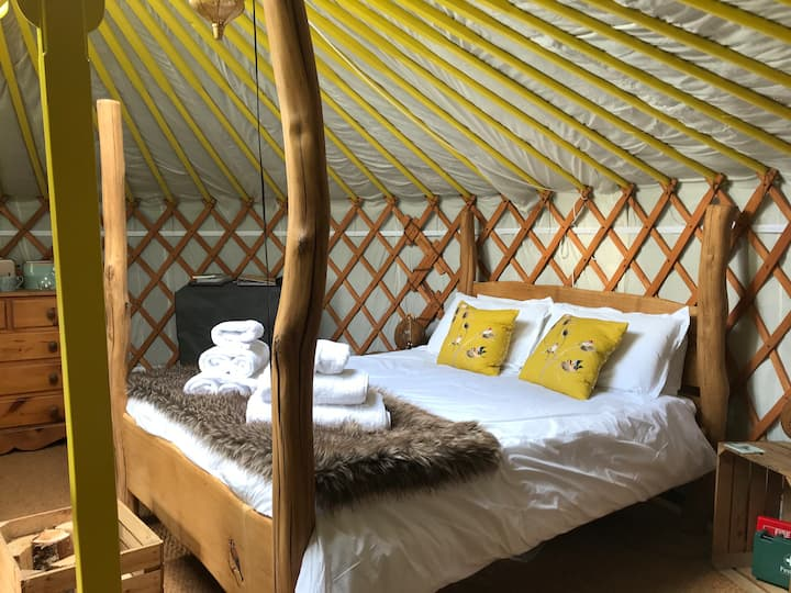 Cherish Glamping Goldfinch Yurt
