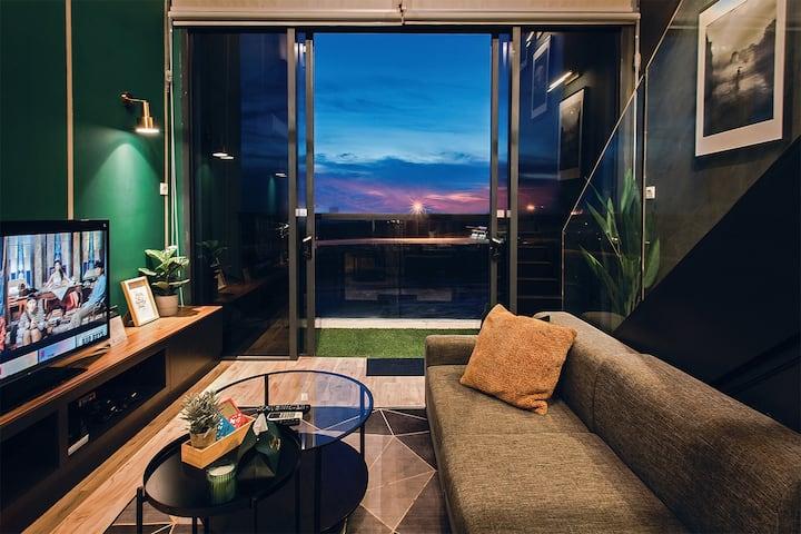 Modern Eclectic Loft | KLIA l Cyberjaya | FreeWiFi