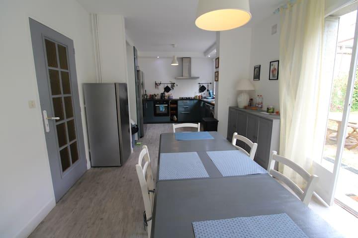 Maison de 3 chambres avec salle de bains privative