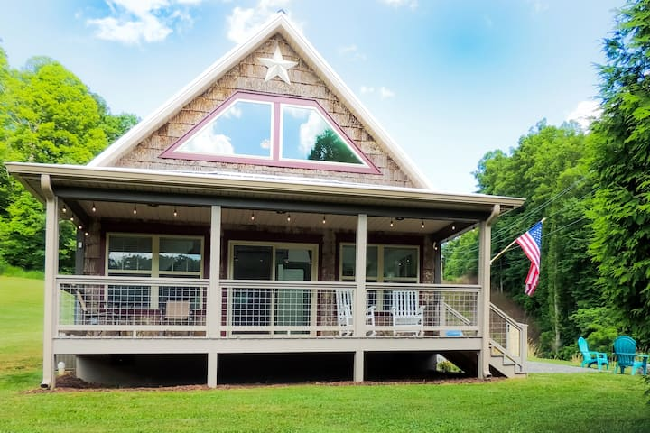 NC Mountain Cabin Getaway, Near Asheville, I-26!
