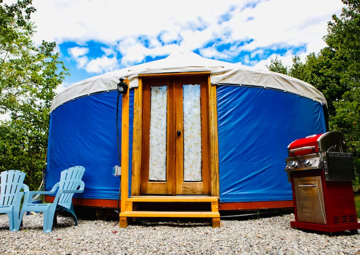 Stockton Harbor Yurts | Bluebird *PRIVATE BEACH*