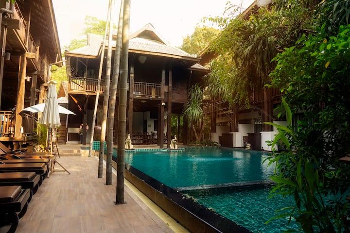 Yantarasri Resort (Deluxe King)