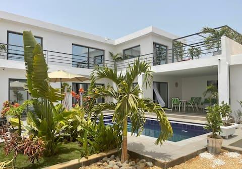 Somone, luksuriøs moderne villa med basseng