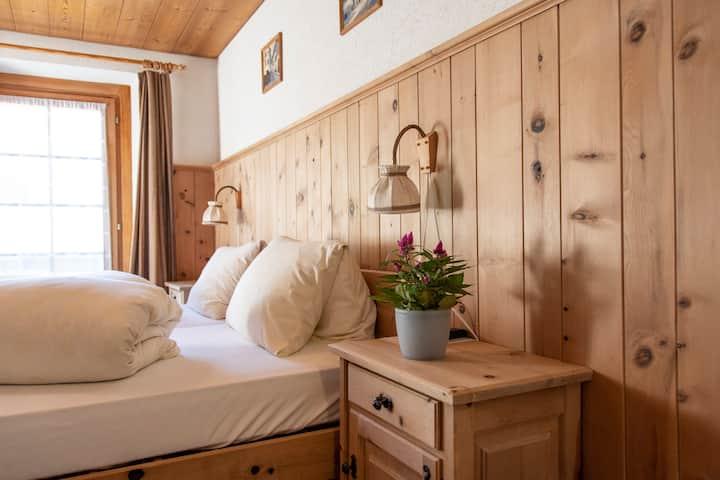 Doppelzimmer mit Dusche/WC (Preis für 2 Personen)