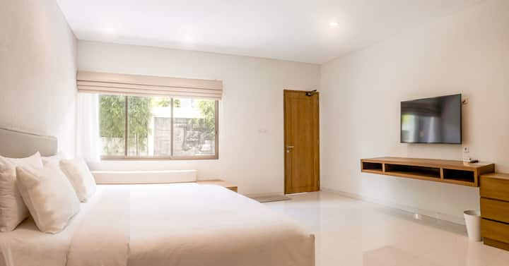 LOYOT Spacious Studio W/ Kitchen at Legian, Bali 3