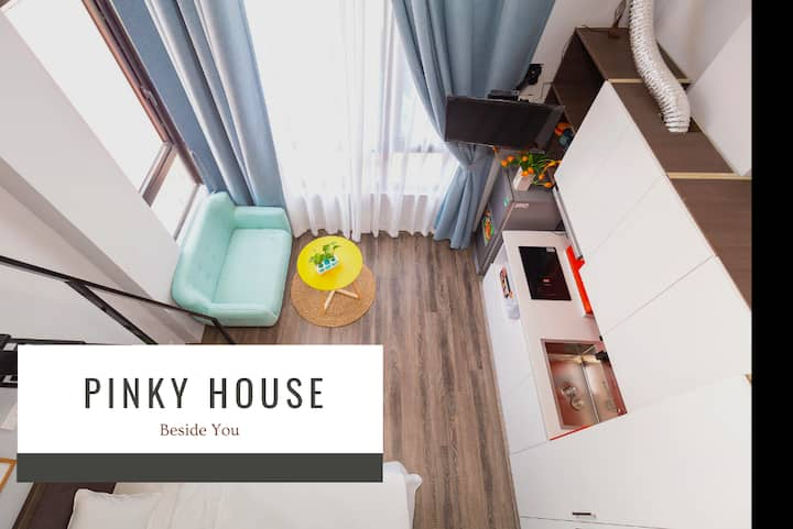 💝 Pinky House 💝 6.1  apt w loft*FreeGym*Netflix