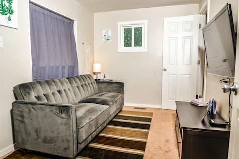 Adorable & Chic West Seattle Guest Suite!