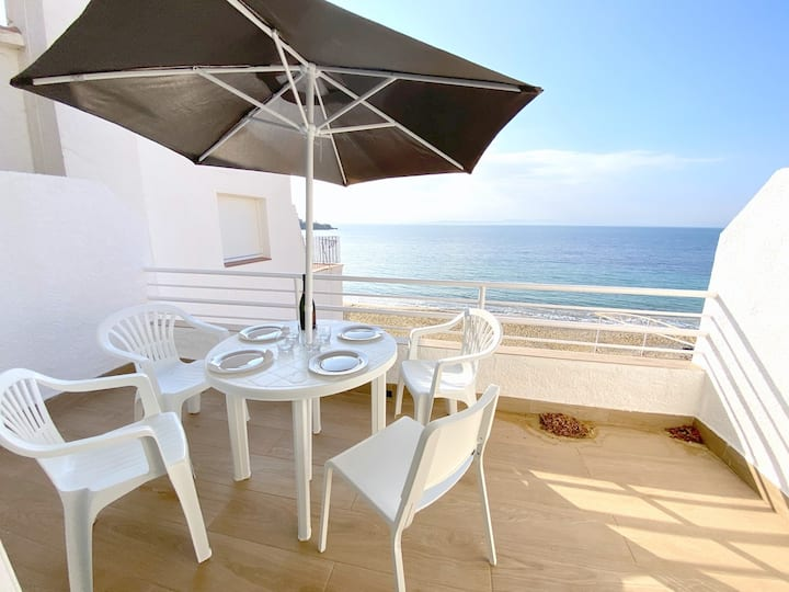 VE1A- 2 bedrooms apartment with sea view in Almadraba beach
