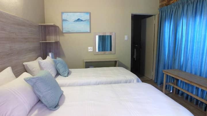 Kruger's Guest House Room 06
