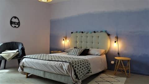 Chambre cocooning dans mas provençal avec piscine