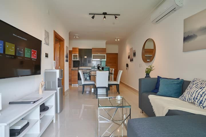5* NEW CLEAN & SAFE APT! Pool-Gym-A/C- DOWNTOWN SD