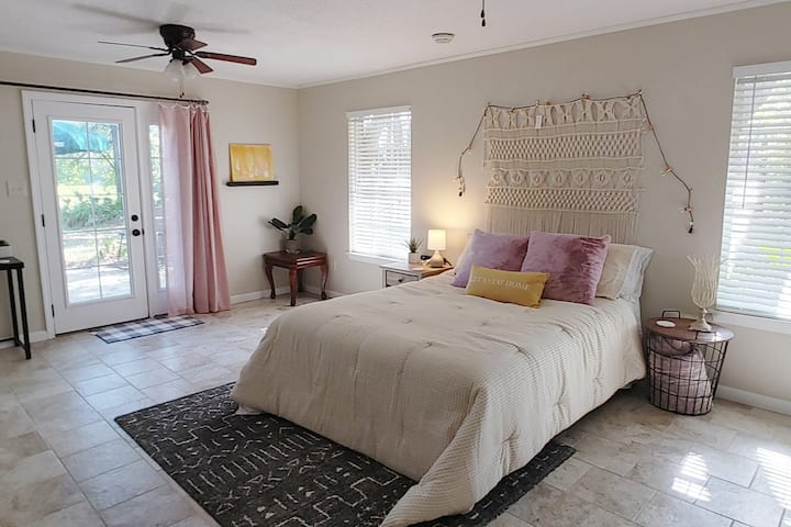 Beachy and Boho Private Suite