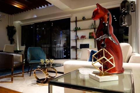 Diseño personalizado, ubicación única, suite de 75 pies cuadrados