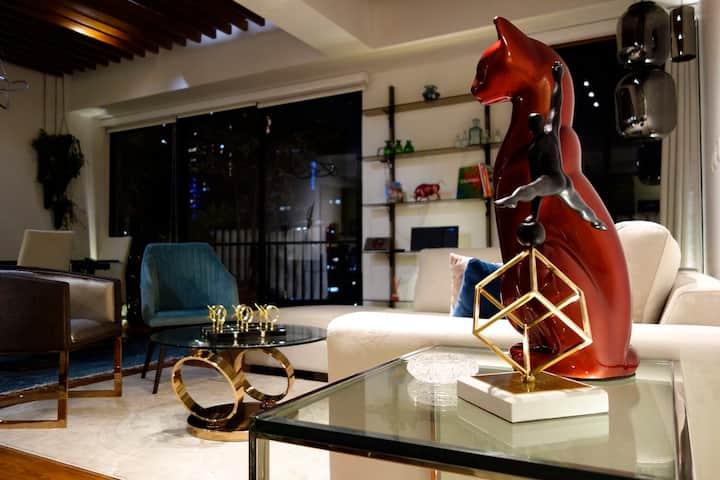 Bespoke design, unique location, 753 Sq ft Suite