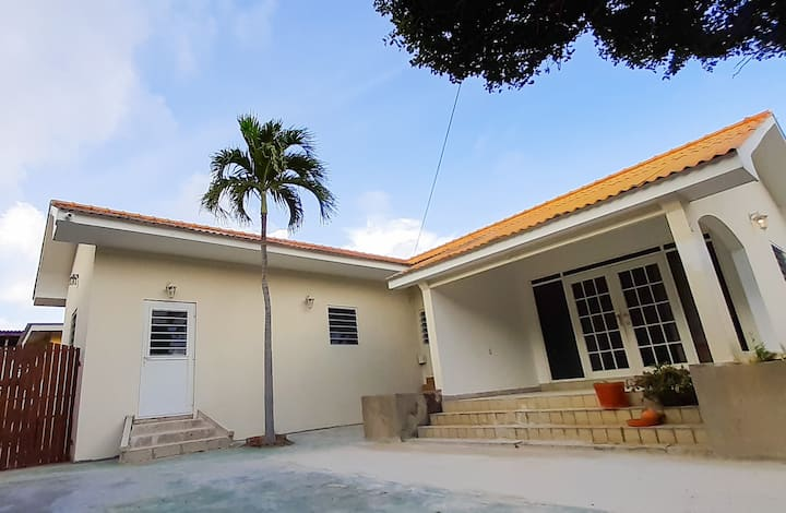 BEST VALUE! New apartment in downtown Willemstad.