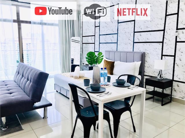 De' Acacia Suite by HFS {LakeView+WiFi+HighFloor}