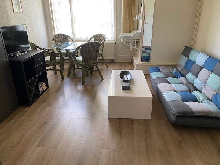 Living sleeproom 2 pers. near Amsterdam and beach