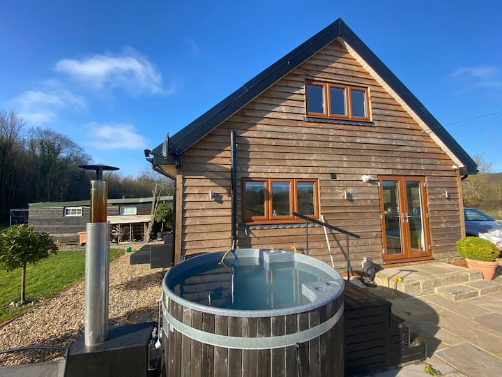 Self contained cottage in Sarratt