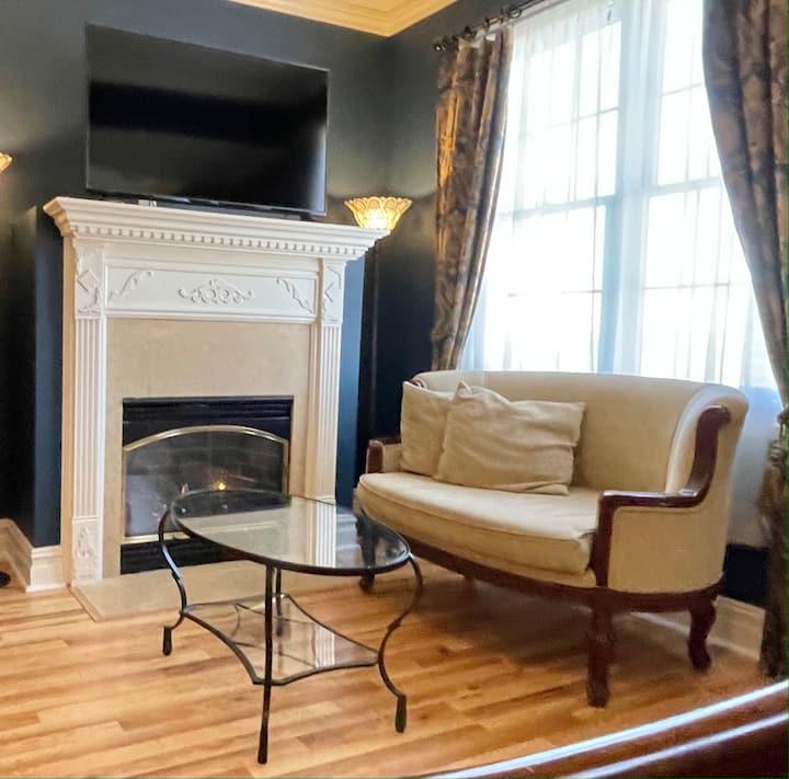Versailles - Suite 5 - Atlantis Inn