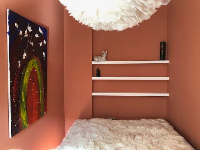 140 x 200 cm bed