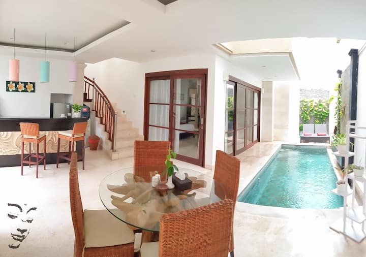 1 Bedroom Private Villa near Batu Belig beach
