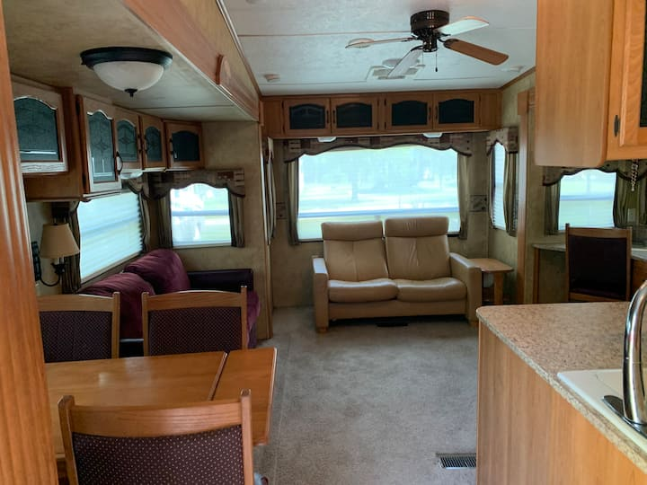 Lovely Campsite 5th Wheel RV in Peaceful MI Park!
