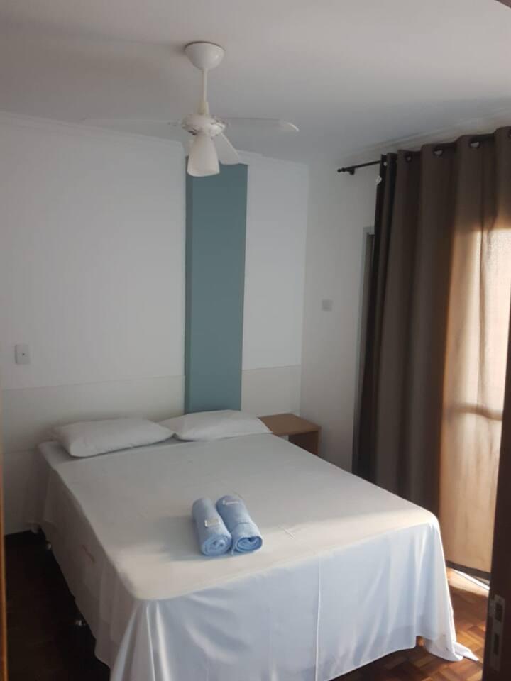 Apartamento Casal (504)- Av JK com Higienópolis