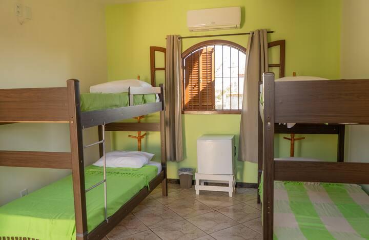 Quarto Misto compartilhado - Hostel