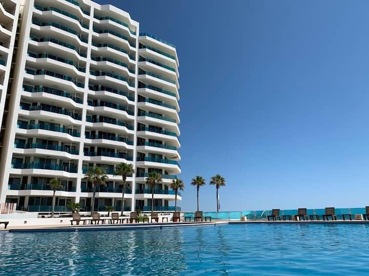 Esmeralda Resort #702 A, Vista al mar