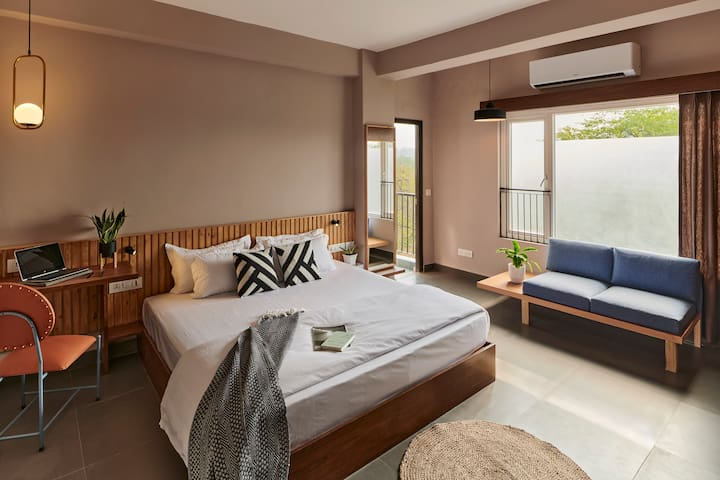 Japanese Style King Room With Balcony. HKV