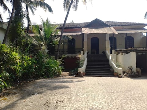 Goan ancestral home Nr Colva Beach, easy transport