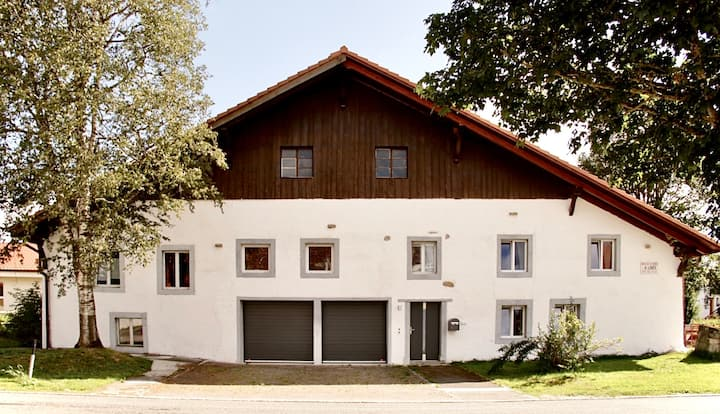 Lajoux Jura, joli appartement dans ferme rénovée
