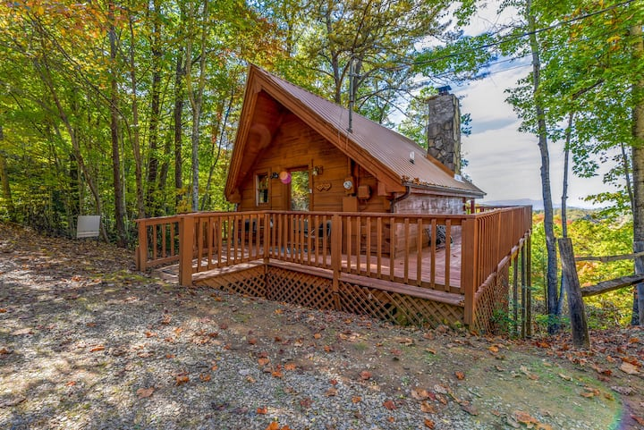 ❤️ Cute Studio Cabin! Views! Private. Hot Tub. Relax!